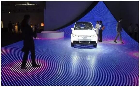 """智能互动技术叱咤LED显示屏市场!""""人机互动""""吸人眼球"""