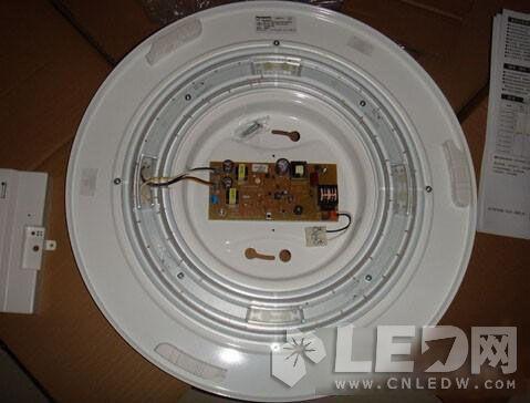 松下UFO系列LED调光吸顶灯暴力拆解