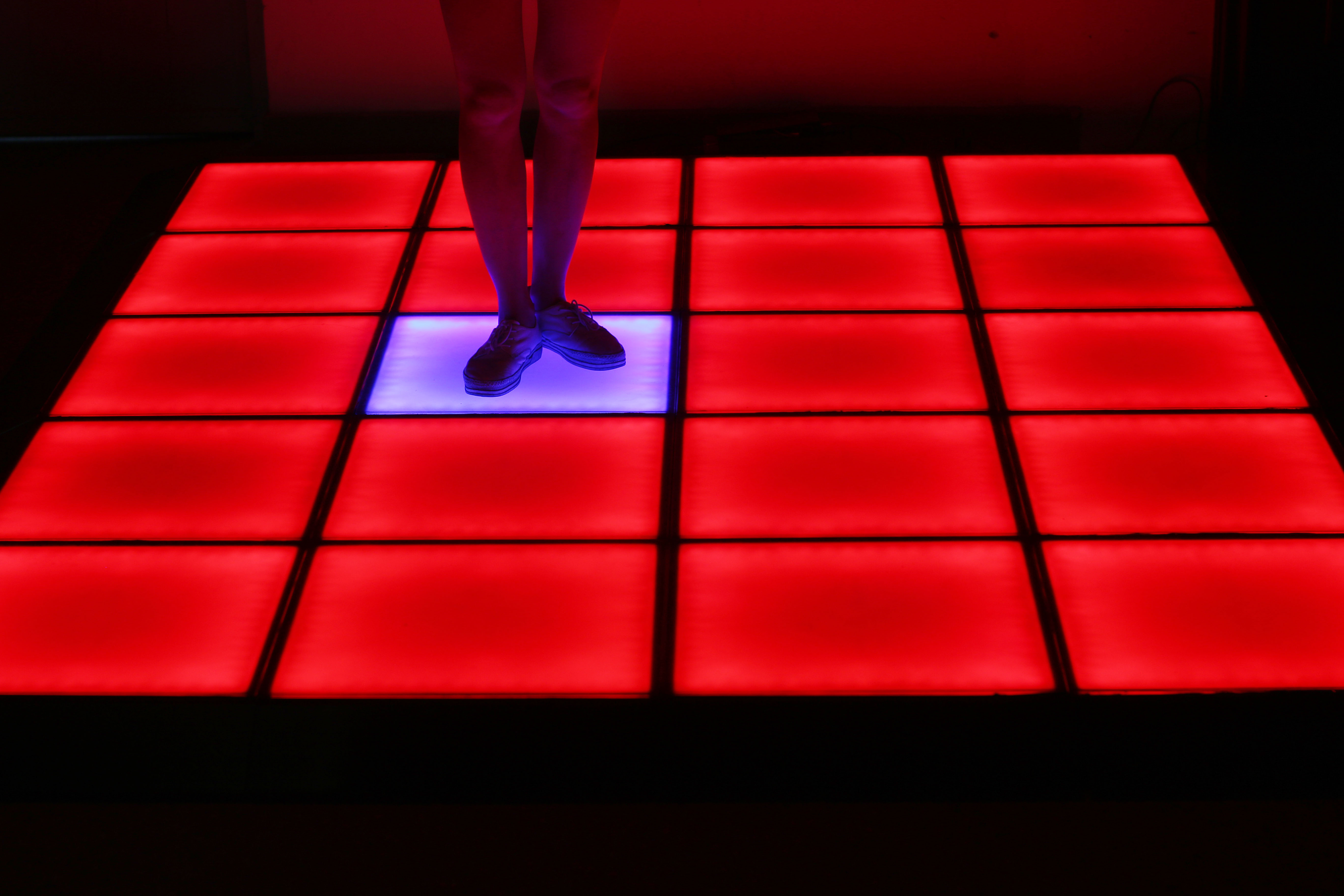 LED跳舞地砖灯