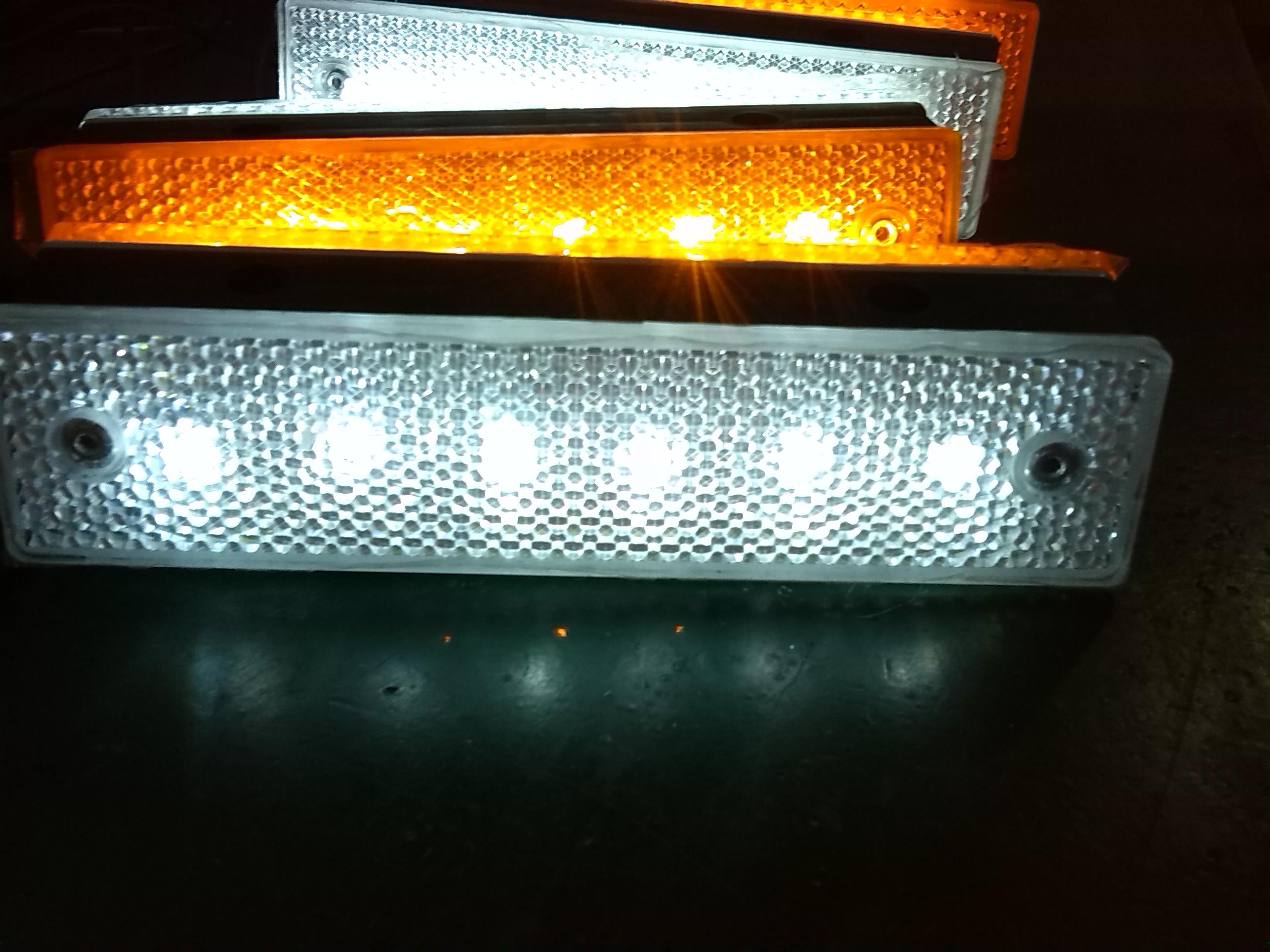 LED长方形发光轮廓标